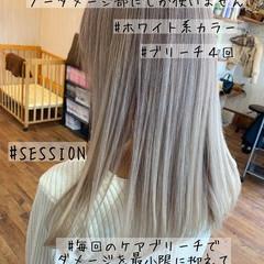 ホワイト ホワイトブリーチ ミディアム ギャル ヘアスタイルや髪型の写真・画像