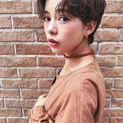 外国人風 ショート センターパート パーマ ヘアスタイルや髪型の写真・画像