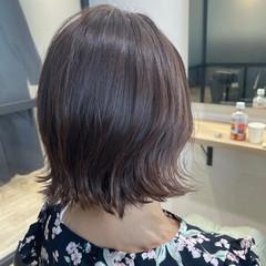 ショートヘア 切りっぱなしボブ ベリーショート インナーカラー ヘアスタイルや髪型の写真・画像