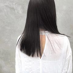 グレー セミロング オリーブグレージュ グレーアッシュ ヘアスタイルや髪型の写真・画像