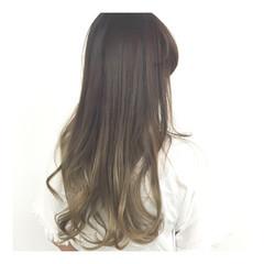 ハイトーン デザインカラー フェミニン 外国人風 ヘアスタイルや髪型の写真・画像