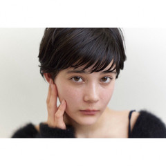 ナチュラル モテ髮シルエット 横顔美人 小顔ショート ヘアスタイルや髪型の写真・画像