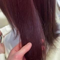 セミロング ゆるふわ ラズベリーピンク 大人かわいい ヘアスタイルや髪型の写真・画像