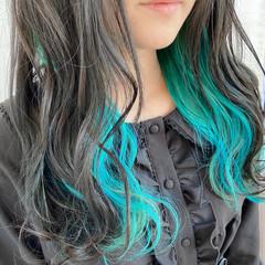 ターコイズ ターコイズブルー グラデーションカラー インナーカラー ヘアスタイルや髪型の写真・画像