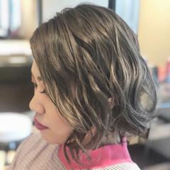 透明感 グレージュ アッシュ ボブ ヘアスタイルや髪型の写真・画像