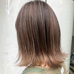 切りっぱなしボブ ブリーチ グレージュ ボブ ヘアスタイルや髪型の写真・画像