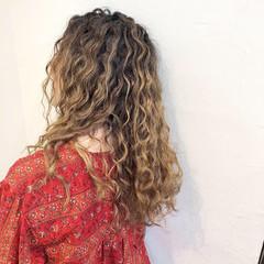 ロング グラデーションカラー ユニコーンカラー ストリート ヘアスタイルや髪型の写真・画像