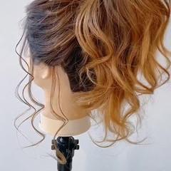 セミロング コテ巻き ゆるふわ ナチュラル ヘアスタイルや髪型の写真・画像