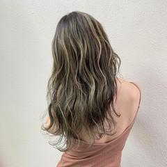 コントラストハイライト ガーリー ミルクティー ハイライト ヘアスタイルや髪型の写真・画像