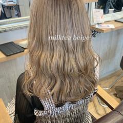 ミルクティーベージュ ハイライト アンニュイほつれヘア ロング ヘアスタイルや髪型の写真・画像