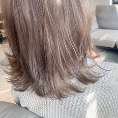 ベージュ ナチュラル グレージュ ミディアム ヘアスタイルや髪型の写真・画像