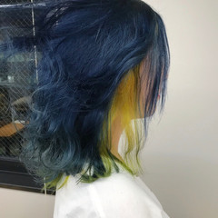 ブルーアッシュ ストリート ボブ インナーカラー ヘアスタイルや髪型の写真・画像