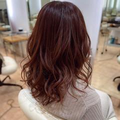 エレガント チェリー コーラル コーラルピンク ヘアスタイルや髪型の写真・画像