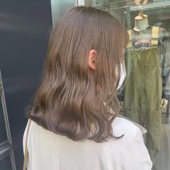 フェミニン ベージュ ミルクティーグレージュ オリーブベージュ ヘアスタイルや髪型の写真・画像
