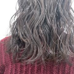 ヘアアレンジ パーマ ナチュラル アンニュイほつれヘア ヘアスタイルや髪型の写真・画像