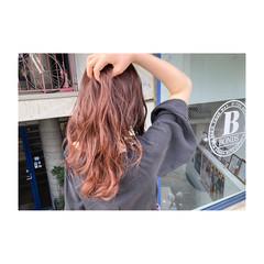 ピンクアッシュ フェミニン 透明感 ピンク ヘアスタイルや髪型の写真・画像