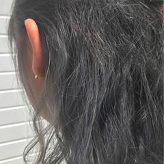 グレー セミロング インナーカラー ナチュラル ヘアスタイルや髪型の写真・画像