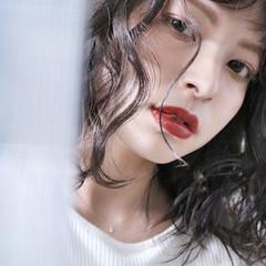 グレージュ ミルクティーベージュ ミディアム ミルクティーグレージュ ヘアスタイルや髪型の写真・画像