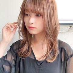アッシュブラウン セミロング 韓国ヘア デート ヘアスタイルや髪型の写真・画像