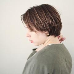 外国人風カラー ショート ヘアアレンジ フェミニン ヘアスタイルや髪型の写真・画像