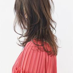 グラデーションカラー ニュアンスウルフ ウルフカット ナチュラルウルフ ヘアスタイルや髪型の写真・画像