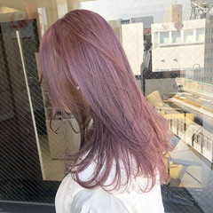 ピンクベージュ ガーリー ピンク セミロング ヘアスタイルや髪型の写真・画像