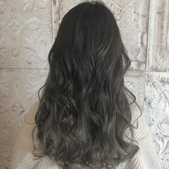ロング ナチュラル アッシュグラデーション グラデーションカラー ヘアスタイルや髪型の写真・画像