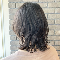 コンサバ マッシュウルフ ミディアム アッシュグレージュ ヘアスタイルや髪型の写真・画像