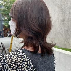 大人可愛い ひし形シルエット フェミニン アッシュベージュ ヘアスタイルや髪型の写真・画像