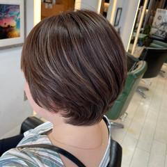 ショートボブ ブリーチ ナチュラル ダブルカラー ヘアスタイルや髪型の写真・画像