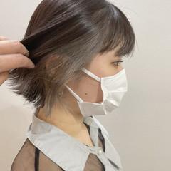 インナーカラー ミニボブ グレーアッシュ アッシュグレー ヘアスタイルや髪型の写真・画像