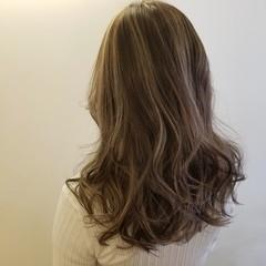 外国人風カラー モード ハイライト 極細ハイライト ヘアスタイルや髪型の写真・画像