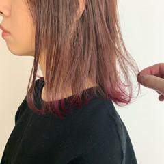 ミディアム ラベンダーピンク ベリーピンク ピンク ヘアスタイルや髪型の写真・画像