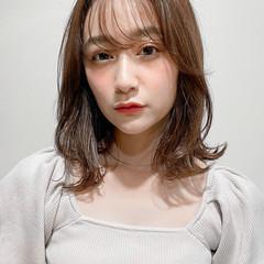 小顔 透明感カラー ウルフカット ナチュラル ヘアスタイルや髪型の写真・画像