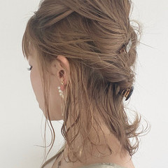 ミディアム 簡単ヘアアレンジ ヘアアレンジ セルフヘアアレンジ ヘアスタイルや髪型の写真・画像