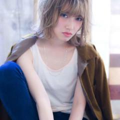 ヘアアレンジ アディクシーカラー フェミニン ハイトーン ヘアスタイルや髪型の写真・画像