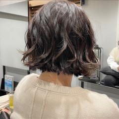 切りっぱなしボブ インナーカラー 大人可愛い ボブアレンジ ヘアスタイルや髪型の写真・画像
