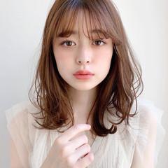 くびれカール 大人かわいい レイヤーカット コテ巻き ヘアスタイルや髪型の写真・画像
