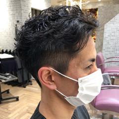 フェードカット メンズヘア メンズショート ナチュラル ヘアスタイルや髪型の写真・画像