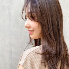 大人ミディアム 色気 セミロング 透明感カラー ヘアスタイルや髪型の写真・画像