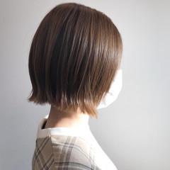 外ハネ ナチュラル 切りっぱなしボブ 大人女子 ヘアスタイルや髪型の写真・画像
