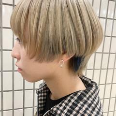ブリーチカラー ショートヘア ナチュラル ショートボブ ヘアスタイルや髪型の写真・画像