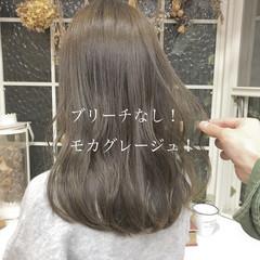 ロング ヘアカラー ミルクティーベージュ ベージュ ヘアスタイルや髪型の写真・画像