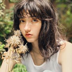 ミディアムレイヤー レイヤーカット ブラウンベージュ ヌーディベージュ ヘアスタイルや髪型の写真・画像