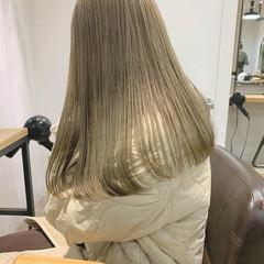 ナチュラル 透明感カラー ブリーチカラー ミルクティーベージュ ヘアスタイルや髪型の写真・画像