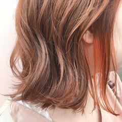 ミディアム オレンジカラー フェミニン イルミナカラー ヘアスタイルや髪型の写真・画像