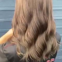 ブリーチなし ナチュラル 透明感カラー ロング ヘアスタイルや髪型の写真・画像