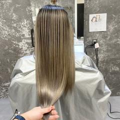 アンニュイ バレイヤージュ ロング アッシュベージュ ヘアスタイルや髪型の写真・画像