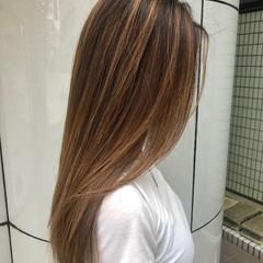 ミルクティーグレージュ ブリーチ ロング グレージュ ヘアスタイルや髪型の写真・画像