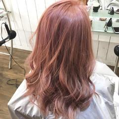 ナチュラル 外国人風カラー ピンクベージュ ブリーチ ヘアスタイルや髪型の写真・画像